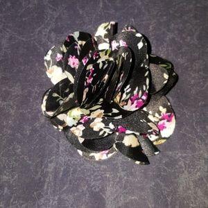 flower hair clip / button